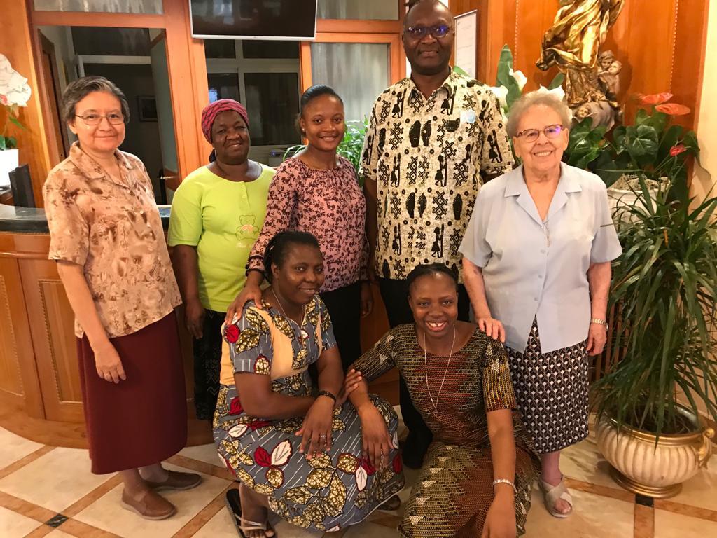 Visita del Obispo de Kabinda, República del Congo, a nuestra Casa General