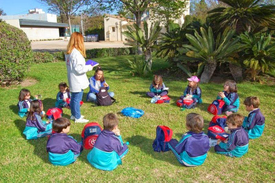 Hermanas Teatinas, Colegios y escuelas infantiles